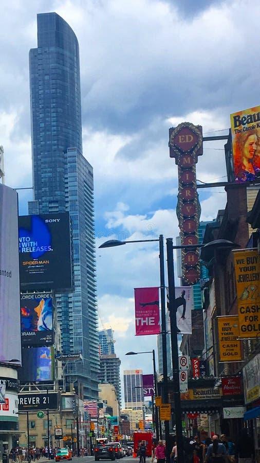 Annonsering Toronto, Kanada royaltyfria bilder