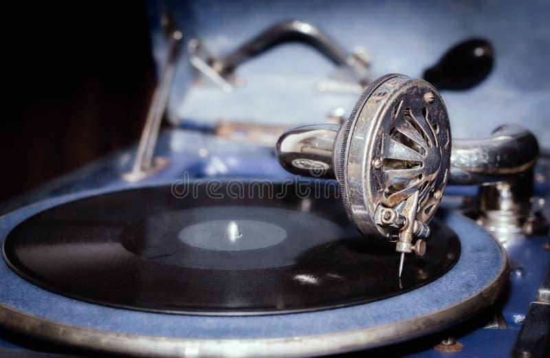 Annotazione di vinile e frammento della fine d'annata del grammofono su immagini stock libere da diritti
