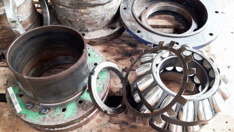 Annullera det stora kugghjulet för genomgång och den mekaniska delen arkivbilder