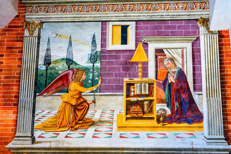 Annunciation Maryjnego anioła Średniowieczny fresk Kościelny San Gimignano Włochy fotografia royalty free