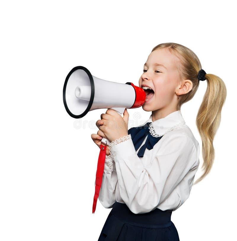 Annuncio del megafono, la ragazza dello scolaro annuncia il grido, bianco fotografia stock