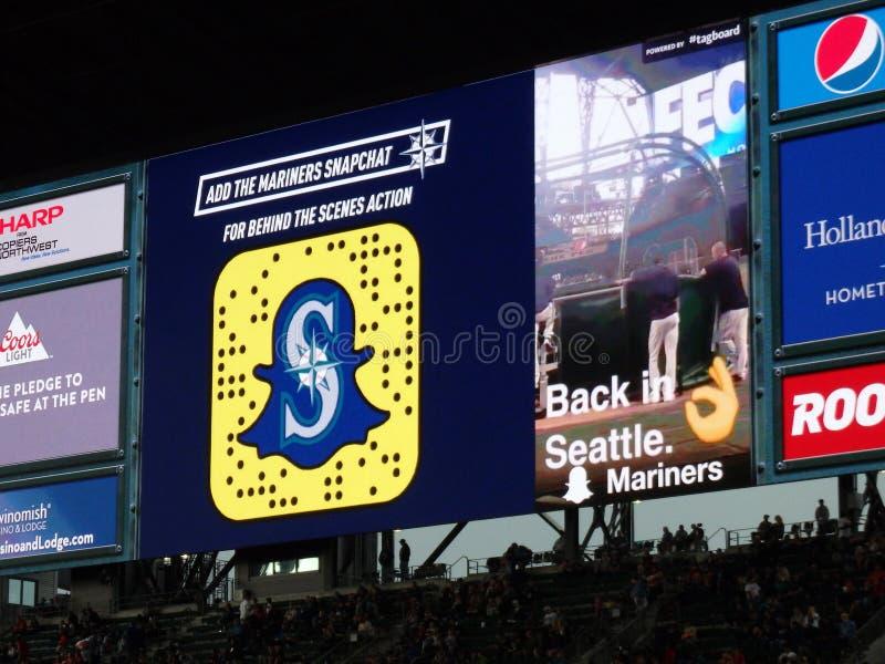 Annuncio di Snapchat sullo schermo in gradinata al campo di Safeco immagini stock