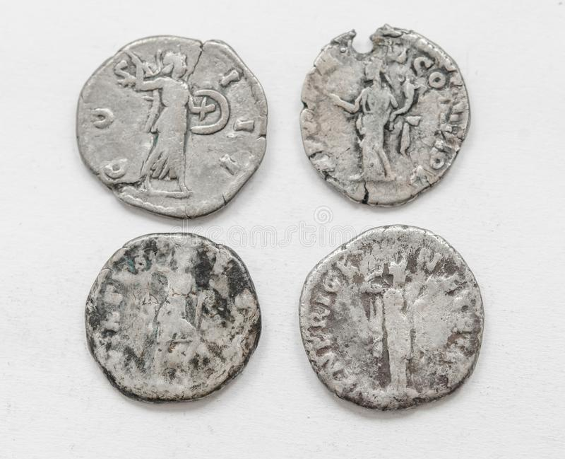 ANNUNCIO romano d'argento di secolo delle monete 4-5, lavoro approssimativo, piccoli imperatori dei ritratti fotografia stock libera da diritti