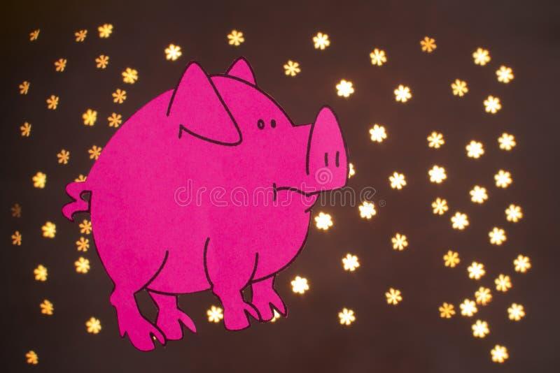 Ano chinês do sinal do zodíaco de porco, porco do corte do papel do rosa, ano novo feliz 2019 anos no fundo preto com bokeh bonit ilustração stock