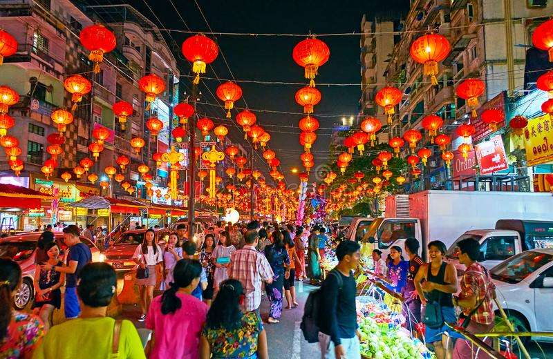 Ano novo chinês no bairro chinês de Yangon, Myanmar fotografia de stock