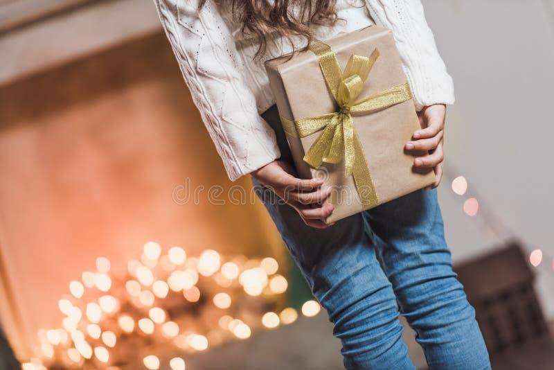 Ano novo feliz! Menina com presentes fotografia de stock
