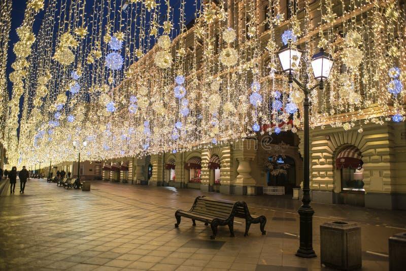 Ano novo, inverno Moscou em toda sua iluminação festiva imagens de stock