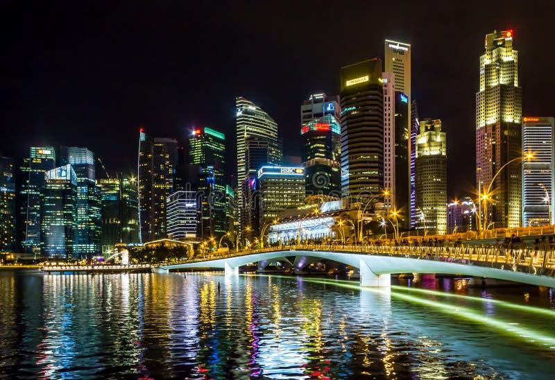 Anoitecer financeiro da construção da arquitetura da cidade de Singapura fotos de stock
