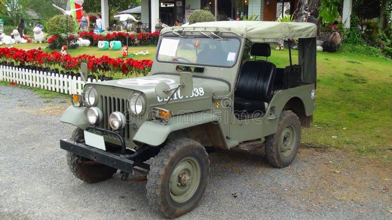 Anonymes Militär Jeep Willyss CJ redet an stockbild