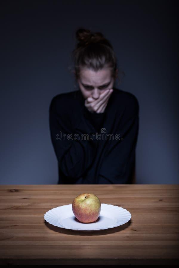 Anorexic που έχει τη ναυτία στοκ φωτογραφίες με δικαίωμα ελεύθερης χρήσης