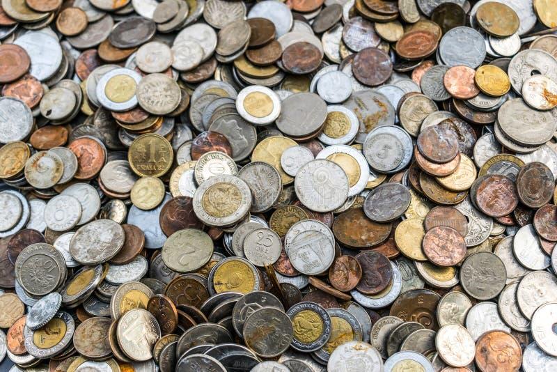 Ansammlung alte Münzen lizenzfreie stockfotos