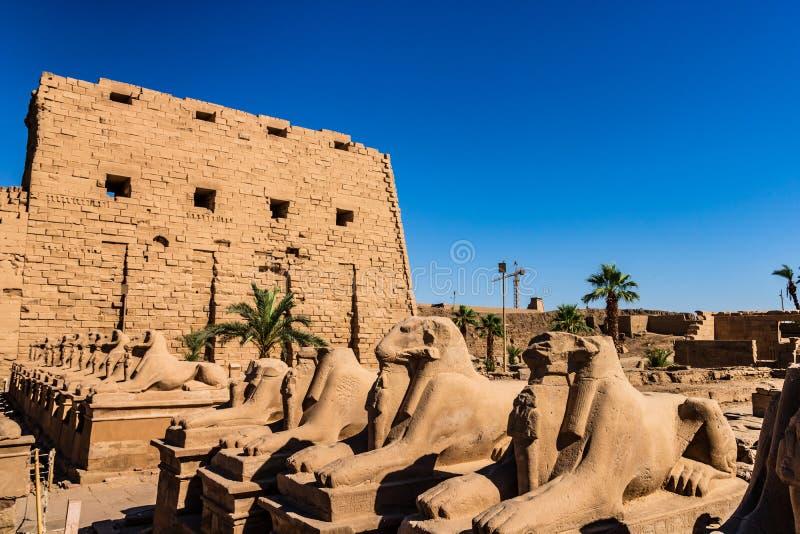 Anscient świątynia Karnak w Luxor - Rujnujący Thebes Egipt obraz stock