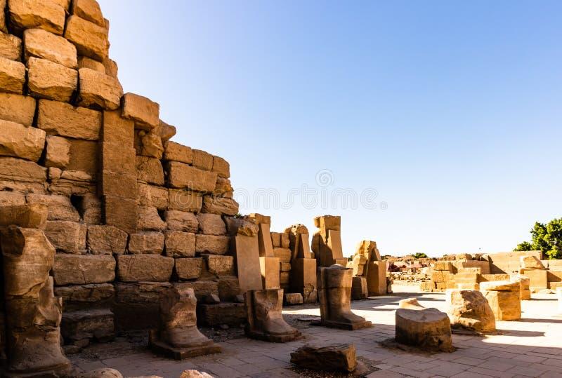 Anscient świątynia Karnak w Luxor - Rujnujący Thebes Egipt zdjęcie royalty free