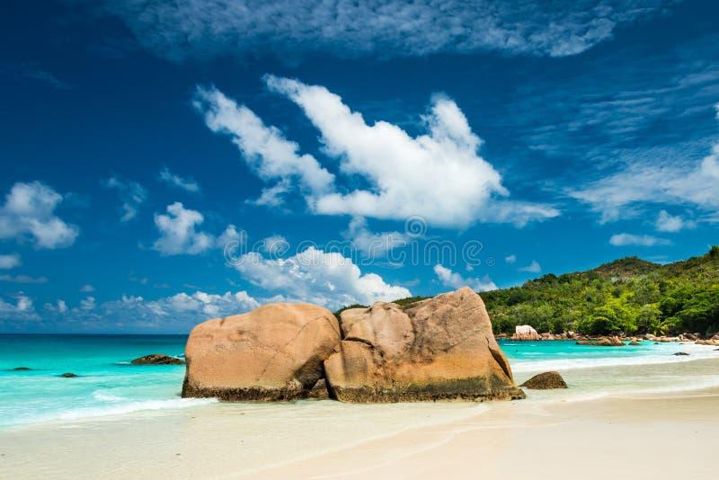 Anse拉齐奥海滩,普拉兰岛海岛,塞舌尔群岛 免版税库存照片