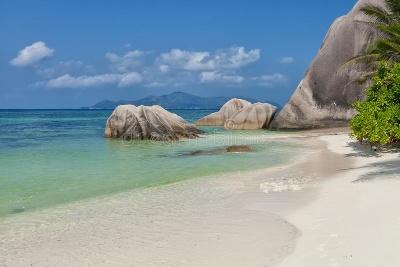 Anse银来源d的` -花岗岩晃动在热带海岛拉迪格岛上的美丽的海滩在塞舌尔群岛 免版税图库摄影