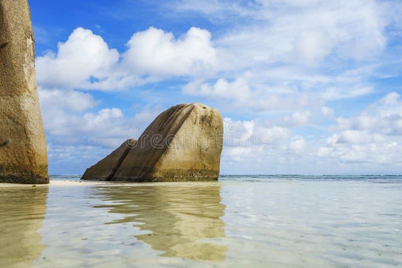 Anse Källa de Argent på Seychellerna öar arkivbild