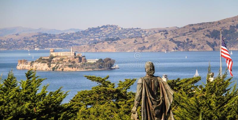 Ansicht über Alcatraz, vom Fernschreiberhügel, San Francisco, Kalifornien, USA lizenzfreie stockfotos