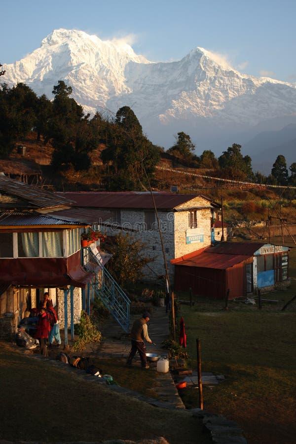 Ansicht über Annapurna vom australischen Lager lizenzfreie stockbilder