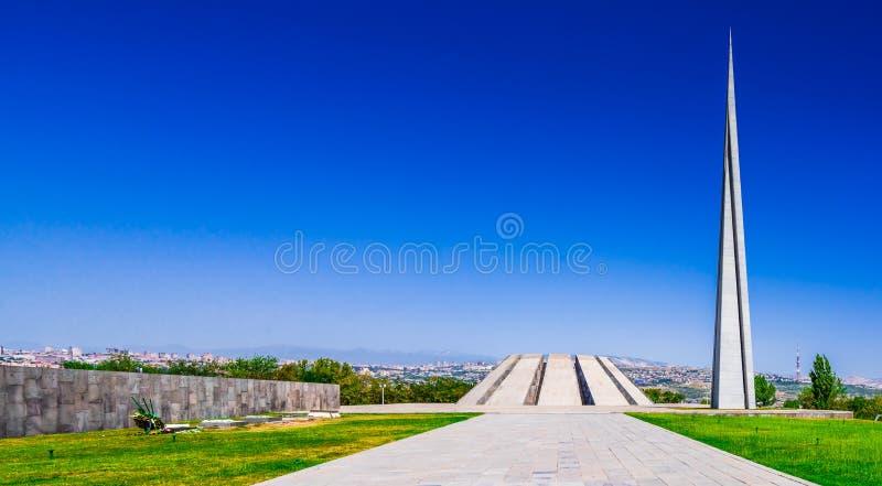 Ansicht über den Erinnerungskomplex des armenischen Genozids in Eriwan, Armenien lizenzfreie stockfotografie