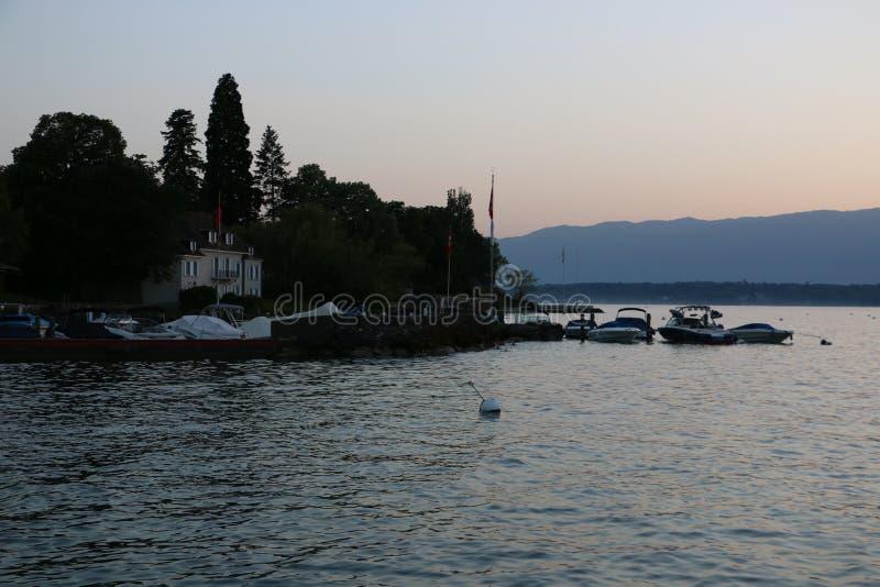 Ansicht über den See Leman stockfotos