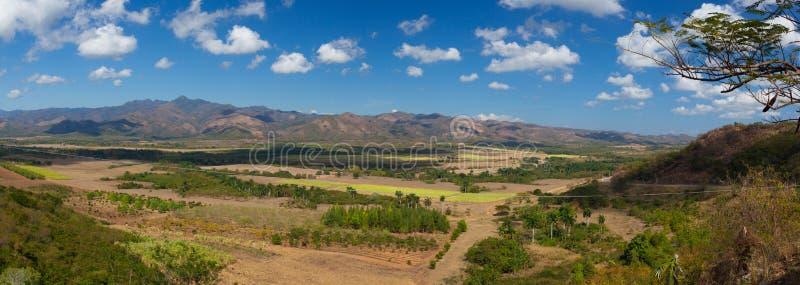 Ansicht über den Valle de Los Ingenios auf der Zuckerplantage, Kuba lizenzfreies stockbild