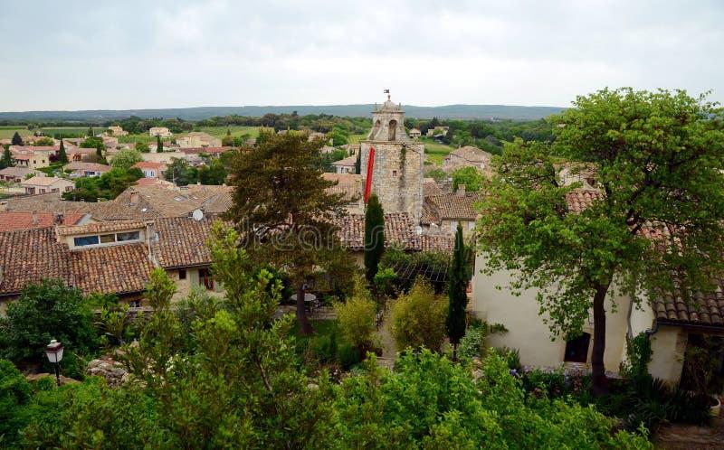 Ansicht über die Dächer Grignan-Gebäude stockfoto