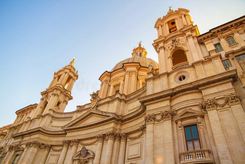 Ansicht über die Kirche Sant Agnese in Rom stockfotografie