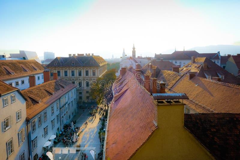 Ansicht über die Stadt von Graz stockfotografie