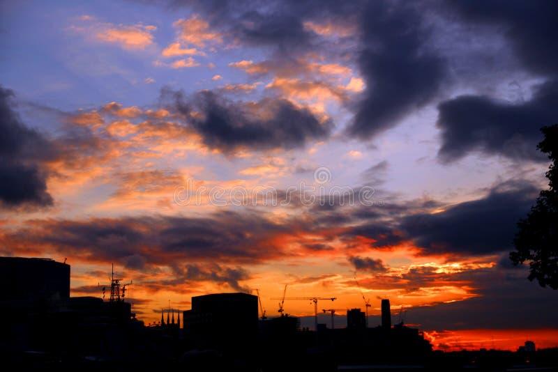 Ansicht über die Themse lizenzfreie stockfotografie