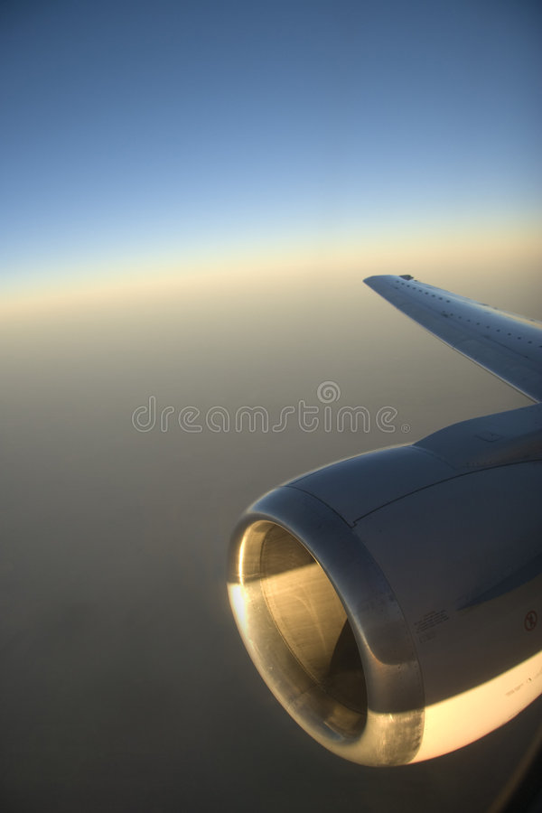 Ansicht über Flugzeugmotor stockfoto