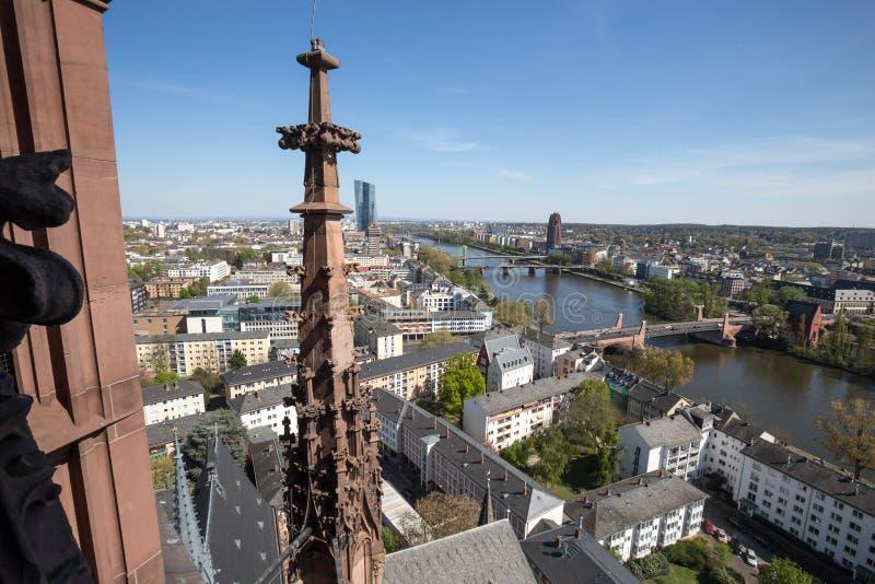 Ansicht über im Stadtzentrum gelegenes Frankfurt von den historischen Frankfurter dom stockfoto