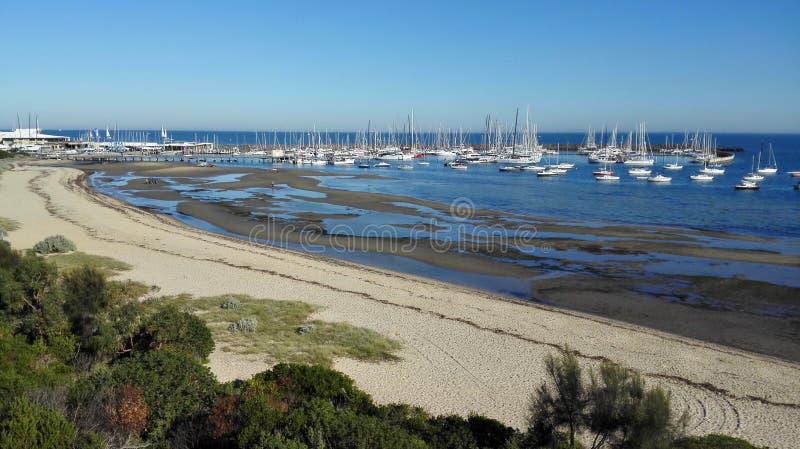 Ansicht über Jachthafen lizenzfreie stockfotografie