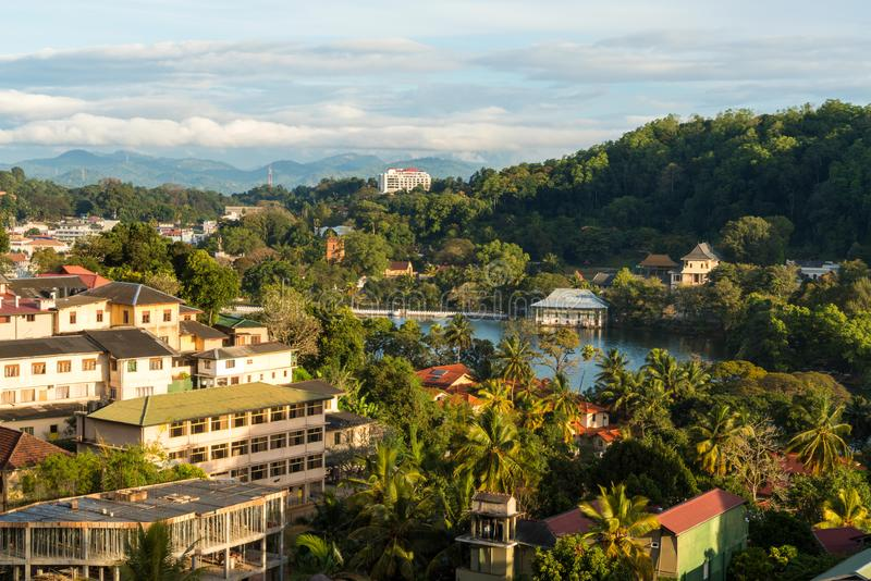 Ansicht über Kandy u. See, Kandy, Sri Lanka stockfotos