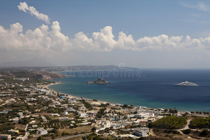 Ansicht über Kefalos-Bucht stockbild