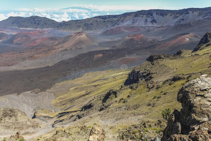 Ansicht über Krater auf Haleakala-Vulkan, Maui stockfotografie