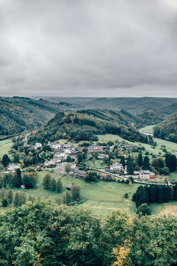 Ansicht über ländliches Dorf lizenzfreies stockbild