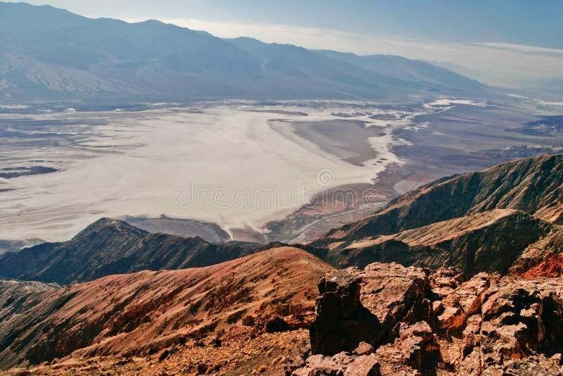 Ansicht über Landschaft des Death Valley lizenzfreie stockfotografie
