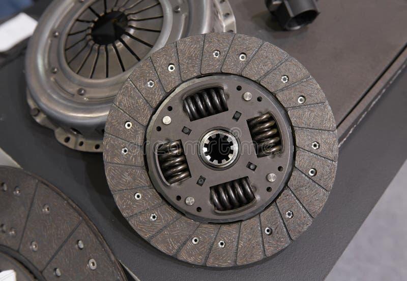 Ansicht über neues sauberes Bestandteildetail der Auto-LKW-Kupplung Autokupplungsscheibescheibe zerteilt Detailkomponenten für Wa stockfotos