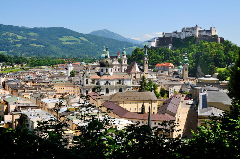 Ansicht über Salzburg, Österreich stockfotografie
