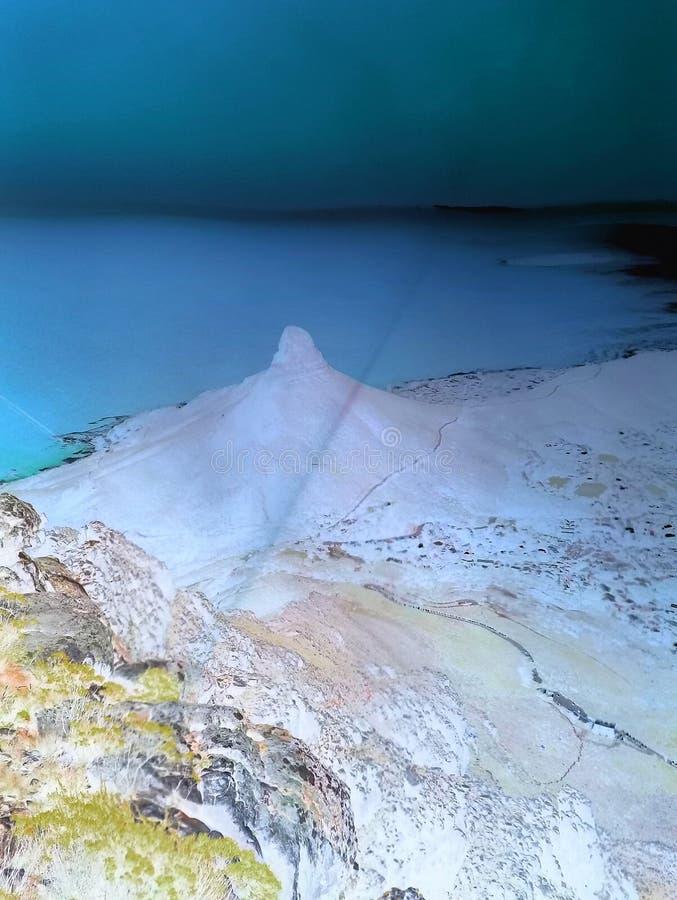 Ansicht über Stadt und Tabellen-Berg vom seaa versehen mit Seiten stockfotografie