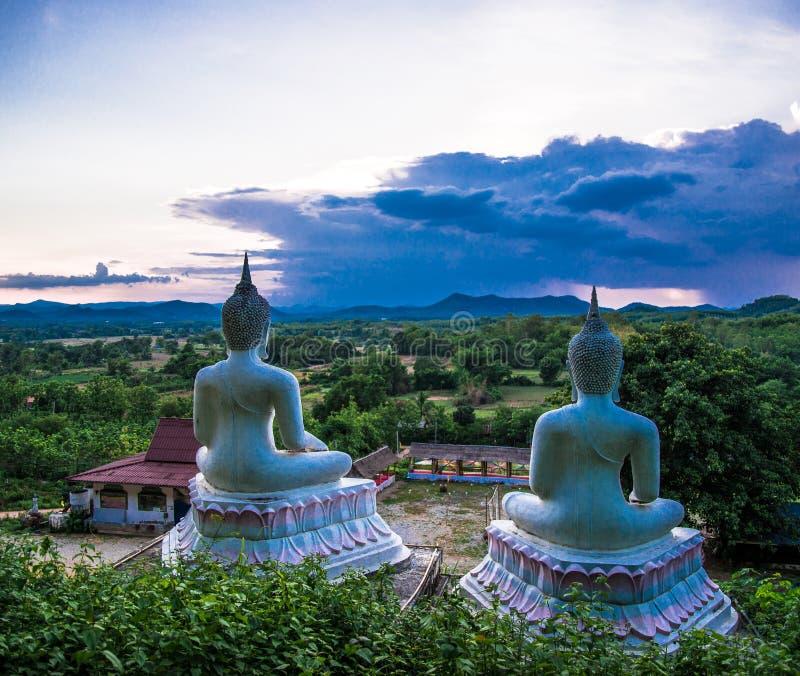 Ansicht-Buddha-Statue lizenzfreie stockfotos