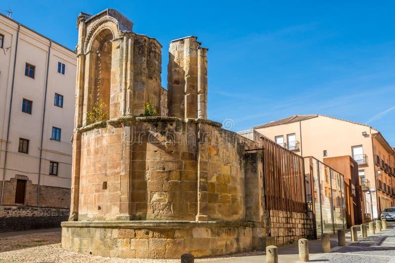 Ansicht an den Ruinen der Kirche San Nicolas in Soria - Spanien lizenzfreies stockbild