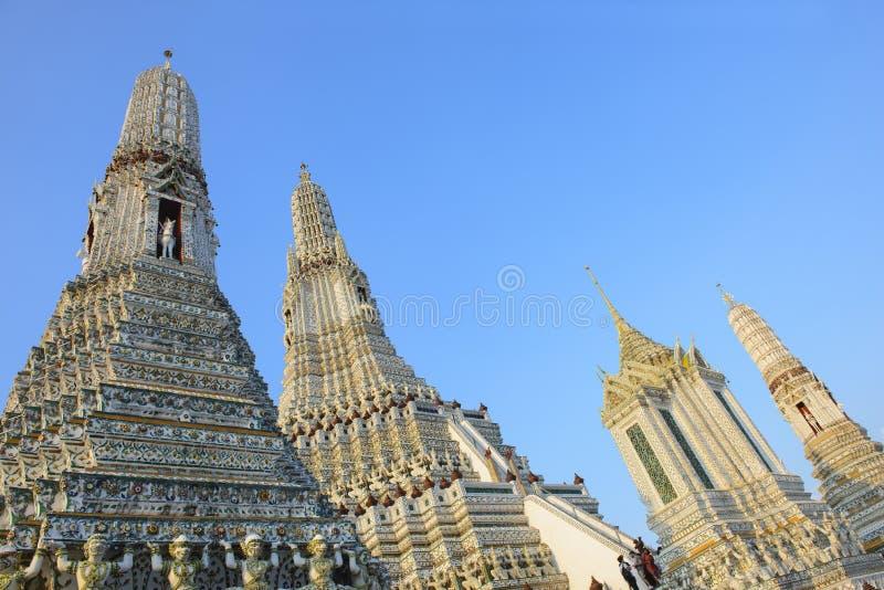 Ansicht der alten Pagode Phra Prang Wat Arun mit Hintergrund des blauen Himmels lizenzfreie stockfotos