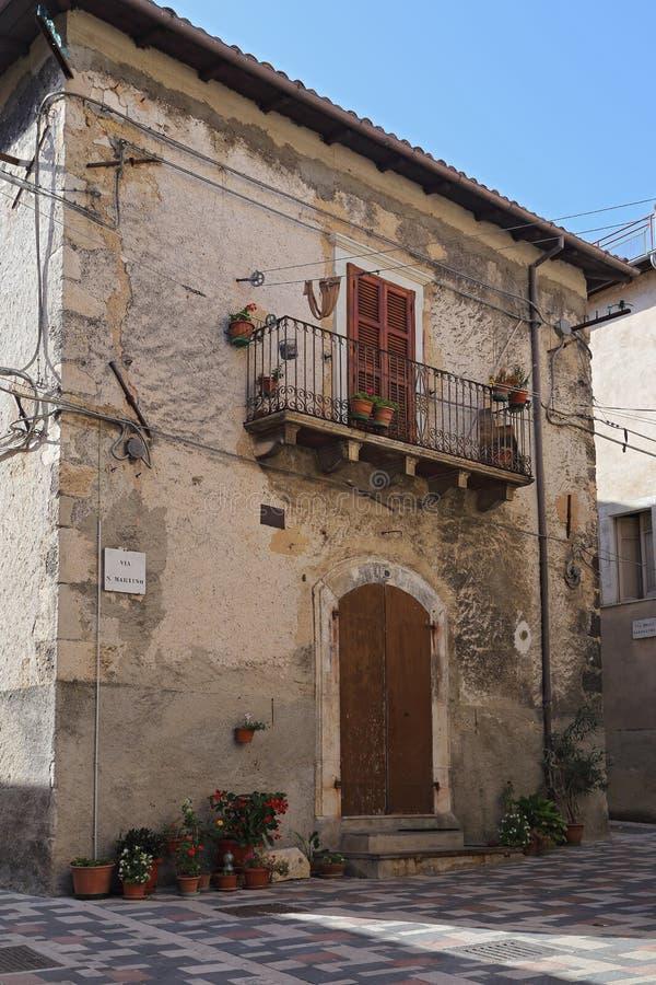 Ansicht der alten Stadt - Corfinio, L'Aquila, in der Region von Abruzzo - Italien stockfotografie
