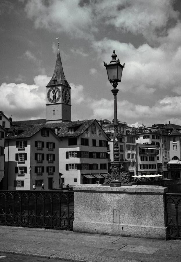 Ansicht der alten Stadt Zürichs lizenzfreie stockfotografie