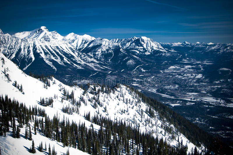 Ansicht der Berge stockbilder