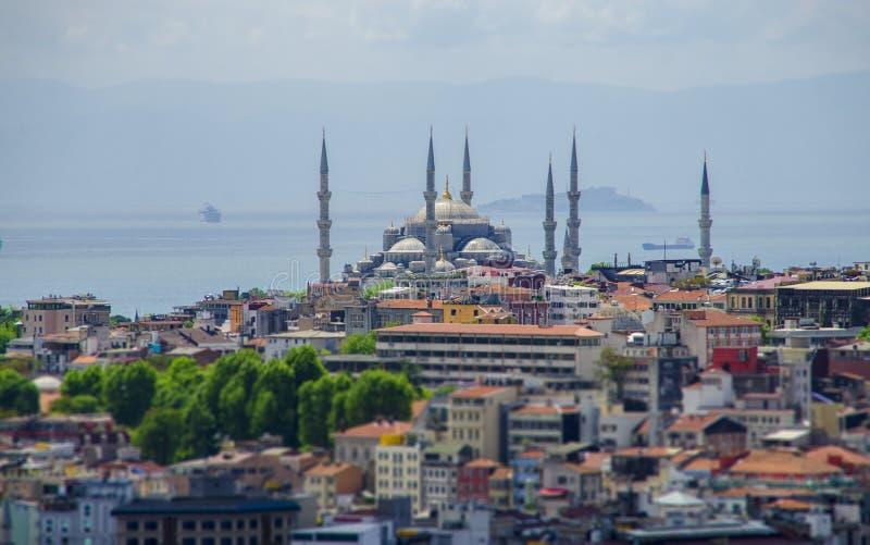 Ansicht der blauen Moschee (Sultanahmet) vom Dach der Gestalt stockbild