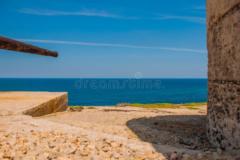 Ansicht der Bucht von der Festung Castillo Del Morro Die alte Festung kuba havana lizenzfreies stockbild