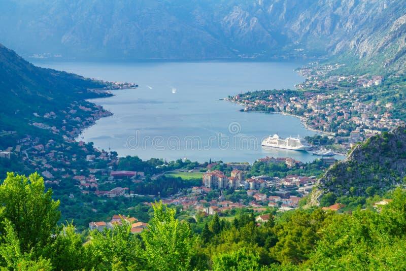 Ansicht der Bucht von Kotor von Lovcen-Berg lizenzfreie stockfotos