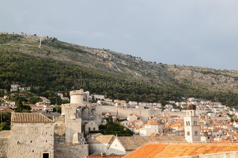 Ansicht der Dächer der ausgezeichneten alten Stadt von Dubrovnik von stockbilder
